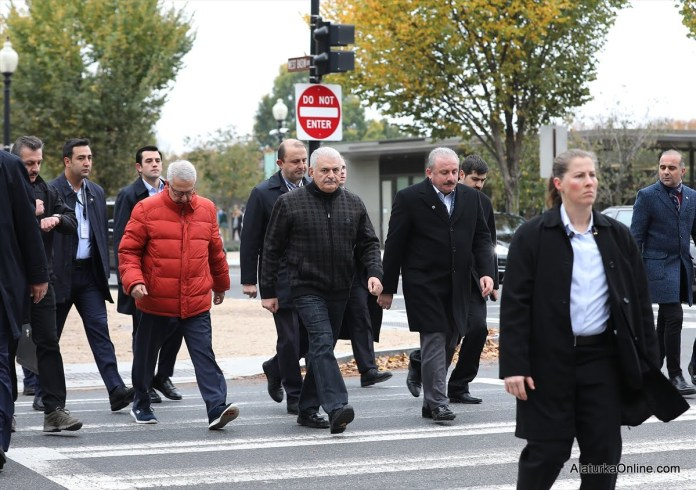 Binali Yildirim Washington Sokaklari