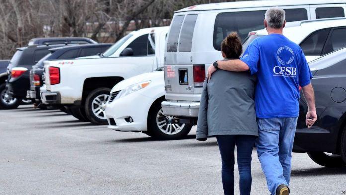Kentucky'de yetkililer, silahlı bir kişinin 4 kişiyi öldürdükten sonra intihar ettiğini belirtti.