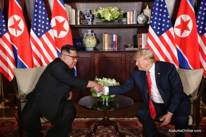 Donald Trump - Kim Jong-un (9)