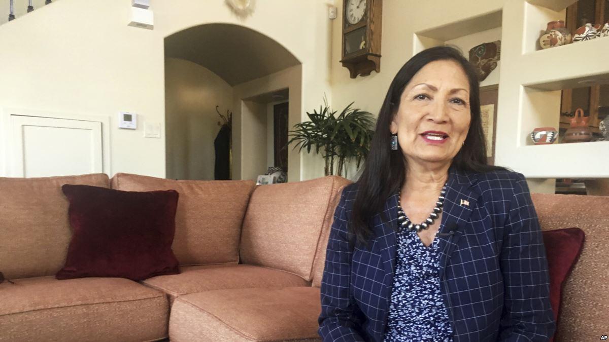 Haaland Kongre'nin İlk Yerli Amerikalı Kadın Üyesi Olabilecek mi?