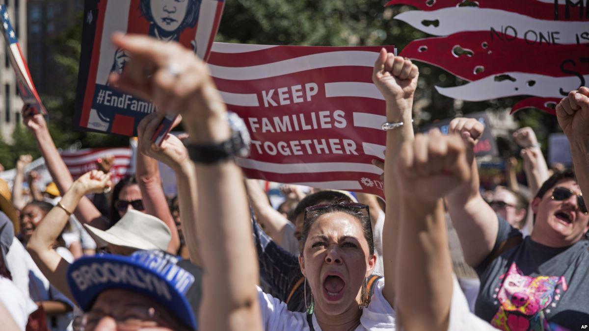 Trump'ın Göçmenlik Politikalarına Karşı Yüzlerce Protesto