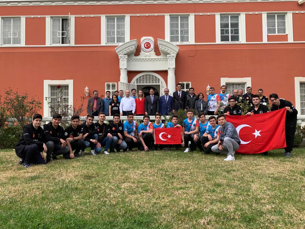 Türk Robot Takımları Los Angeles'ta Yarışacak
