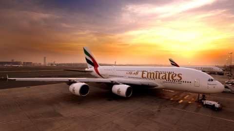 Emirates Havayolları kabin görevlisi alacak: İşte aranan şartlar…
