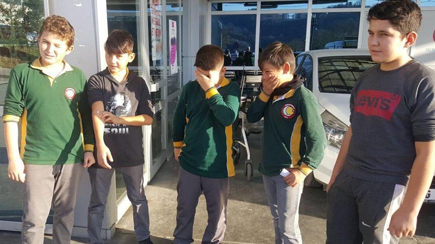 Termometre kırıldı, 4 öğrenci ile bir öğretmen zehirlendi
