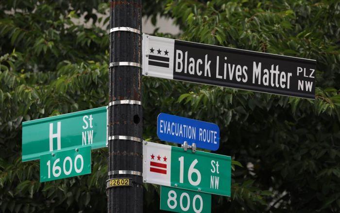 Beyaz Saray yakınlarındaki caddenin adı 'Black Lives Matter' olarak değiştirildi