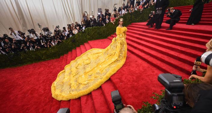 Rihanna'dan yıllar sonra gelen MET Gala itirafı: Herkes bana gülecek diye düşündüm