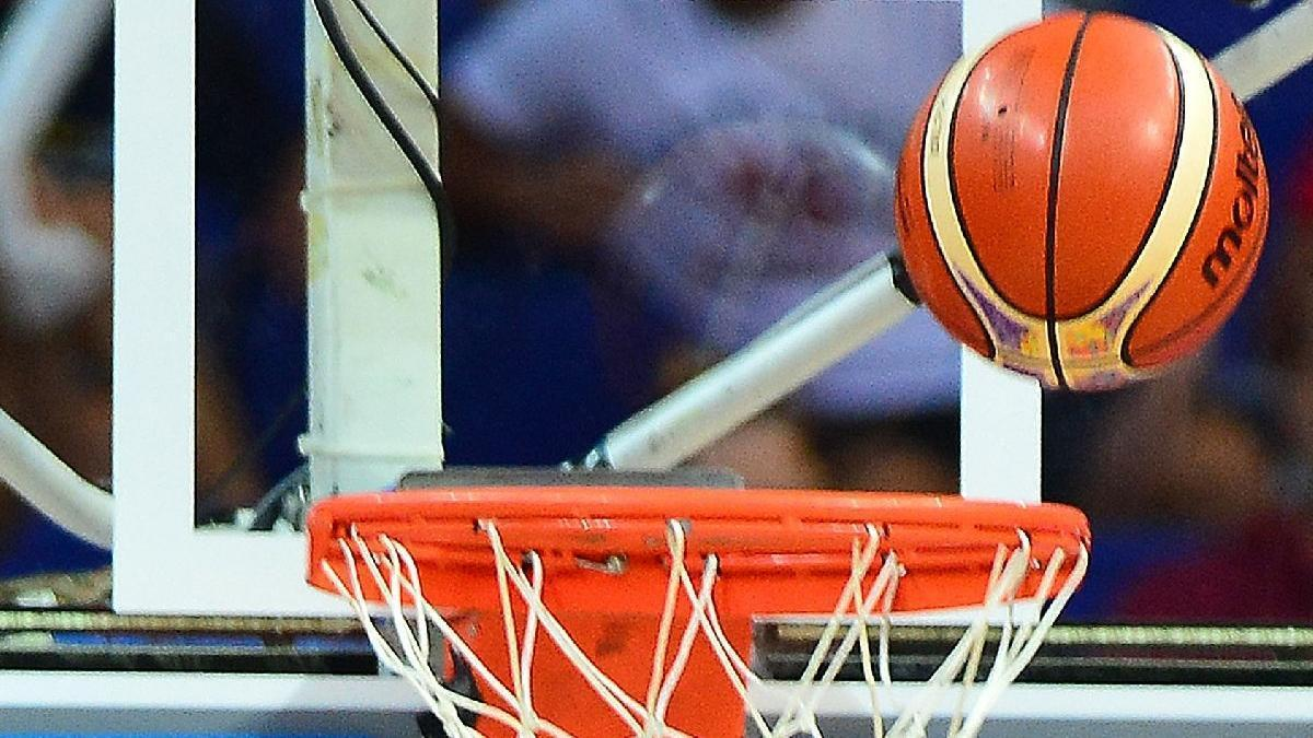 Anadolu Efes'te bir basketbolcu corona pozitif