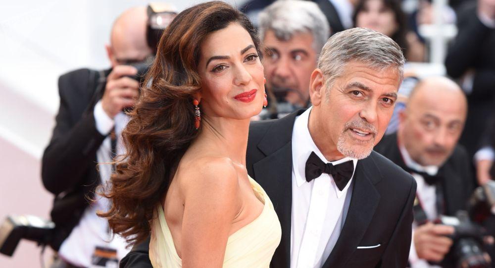 George Clooney, avukat eşiyle evliliğini kendisini Hitler'e benzetenBoris Johnson'a borçlu olduğunu söyledi