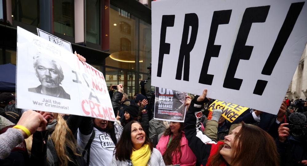 Meksika'nın solcu lideri: Assange'a siyasi iltica vermeye hazırız