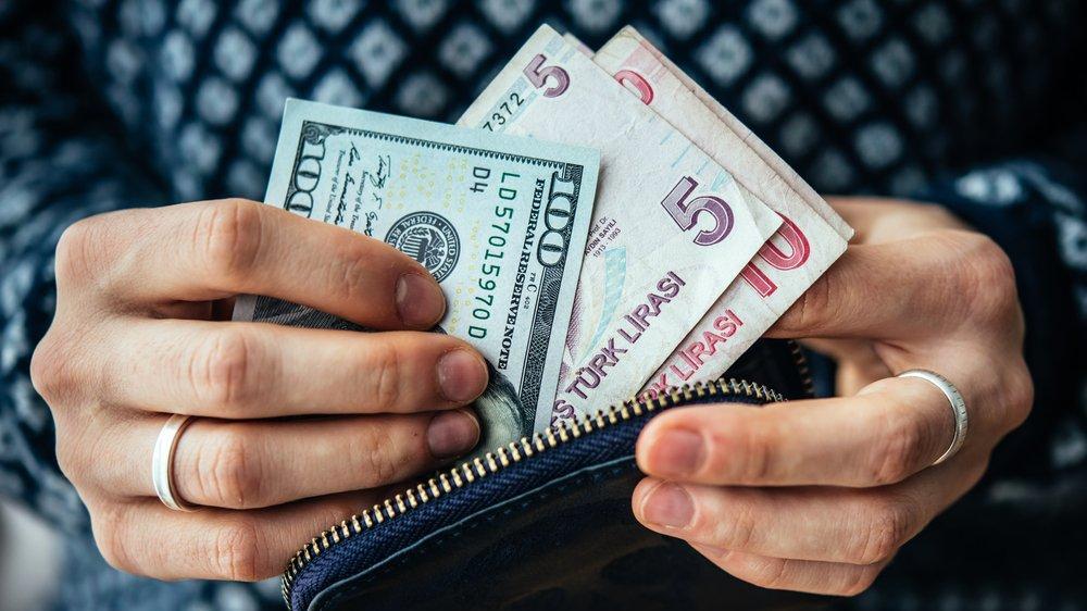 ABD'den gelen haberle dolar düştü, altın yükseldi