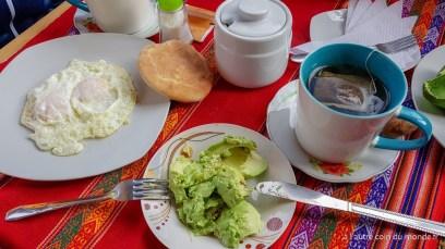 notre premier petit dejeuner à Huaraz
