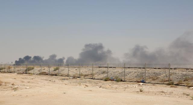 "Photo of وسط مخاوف سعودية … واشنطن تحذر من هجوم حوثي على غرار ""أرامكو"""