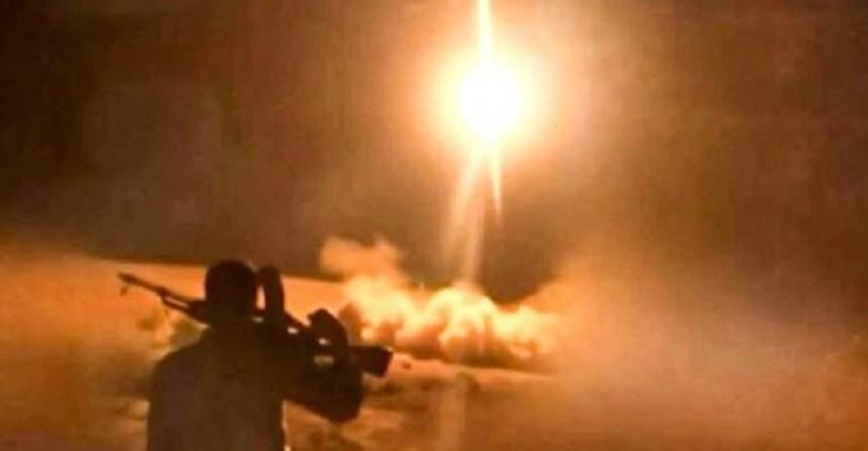 Photo of يحدث الآن .. تساقط صواريخ حوثية باليستية على منشآت اقتصادية في الرياض وجيزان ونوبة فزع تجتاح منصات التواصل السعودية (تفاصيل)