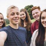 أثر الإشباع النفسي في الطفولة على المراهقة