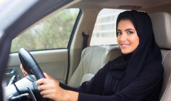 تفسير حلم ركوب السياره في المقعد الخلفي للعزباء و للمتزوجة