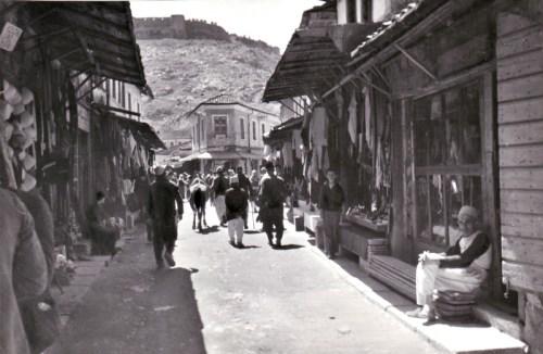 SCUTARI - Il Castello visto dal bazar