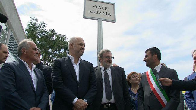 Rama con il presidente della Regione Puglia Michele Emiliano