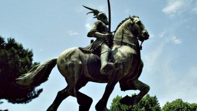 Monumento a Scanderbeg, Piazza Albania, Roma