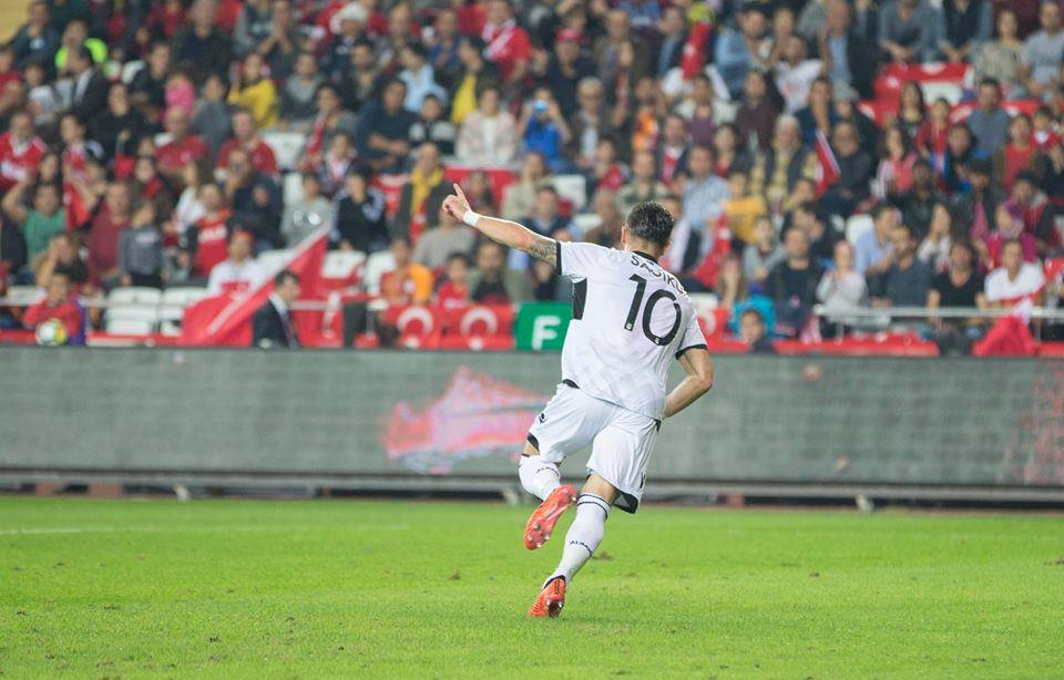 Armando Sadiku protagonista della Nazionale Albanese contro la Turchia