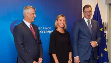 Hashim Thaçi, Federica Mogherini e Aleksandar Vučić