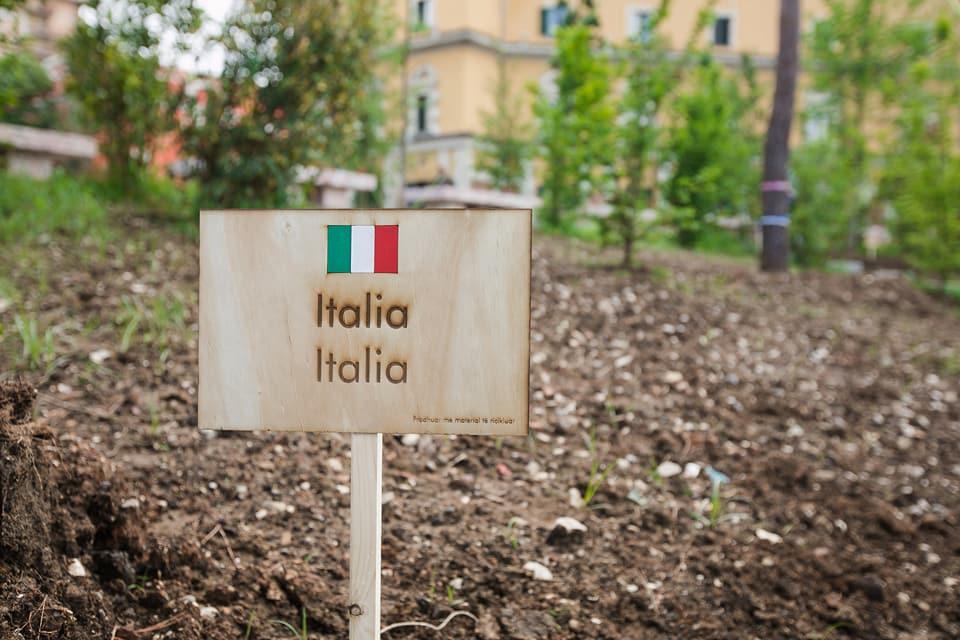 Italia Nel Parco Europa Piazza Scanderbeg