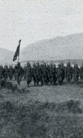 "Jäckh035: ""Reservists from Samsun, led by their commander, on the plain of Ferizaj"" (Photo: Ernst Jäckh, ca. 1910)."