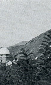 "Jäckh057: ""Serbian church and Muslim mosque in Prizren, with the fortress looming above the Serbian quarter"" (Photo: Ernst Jäckh, 1911)."