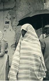 GM010: Woman at Shkodra market (Photo: Giuseppe Massani, 1940).