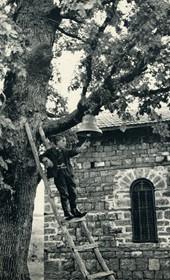 GM077: The Church of Saint Elias (Elijah) at Buqëza near Lin on Lake Ohrid (Photo: Giuseppe Massani, 1940).