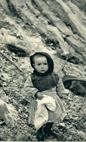 GM105: Child in Tepelena (Photo: Giuseppe Massani, 1940).