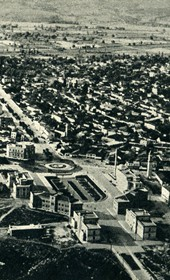 GM127: Aerial view of Scanderbeg Square in Tirana (Photo: Giuseppe Massani, 1940).