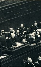 GM133: Italian Foreign Minister Count Galeazzo Ciano (left) speaking in the Italian parliament (Photo: Giuseppe Massani, 1940).