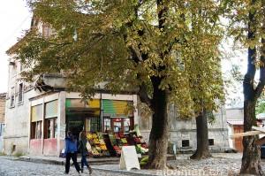Laden in Korça, Albanien
