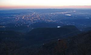 Dämmerung über Tirana – Blick vom Dajti