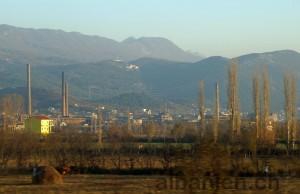 Kloster und alte Fabrik bei Laç