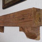 antique-heart-pine-beam-mantel