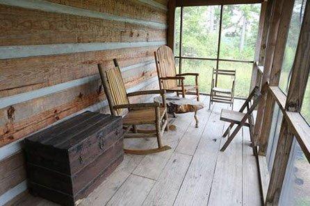 heart pine log cabin