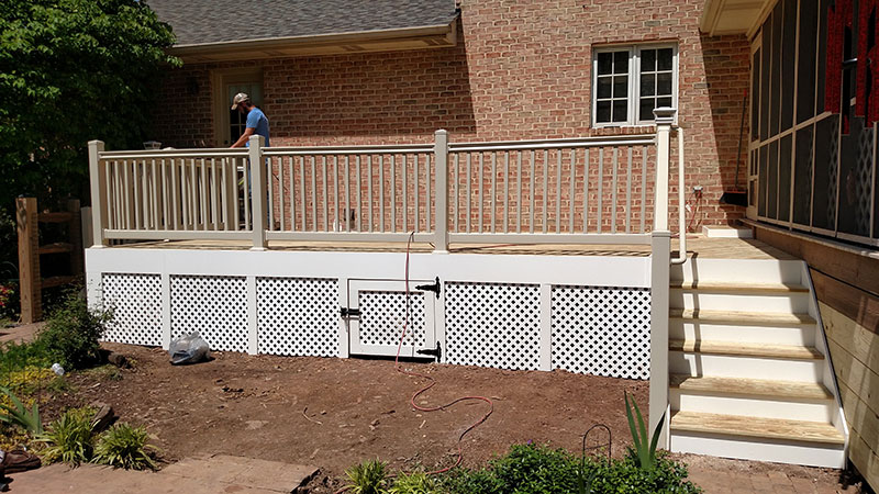 Composite and Vinyl Deck 21