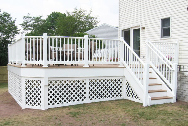 Composite and Vinyl Deck 8