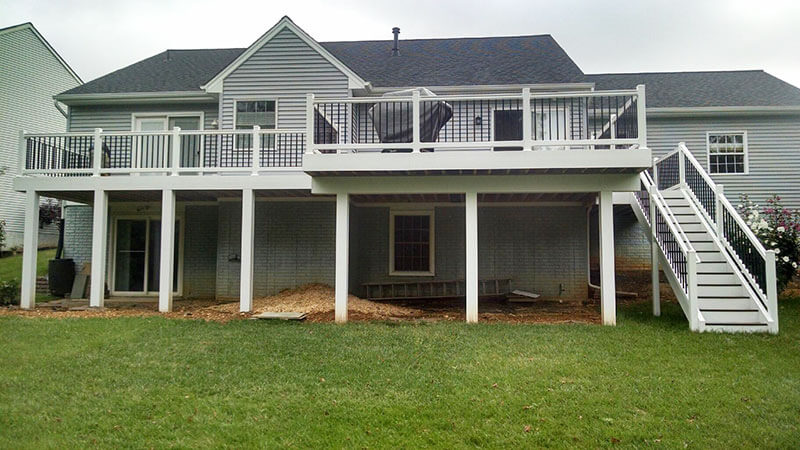 Composite and Vinyl Deck 9