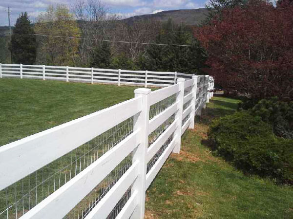 Vinyl 4' Board Paddock Fence with Wire