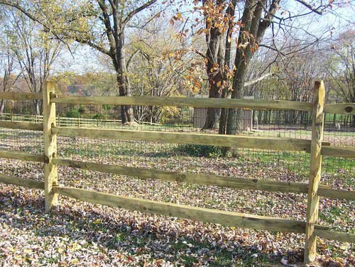 4 Rail Split Rail Fence with Wire