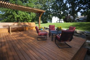 Why Fall is the Best Time for a Decking Installation