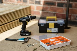 Tools That Are Helpful for Repairing a Fence