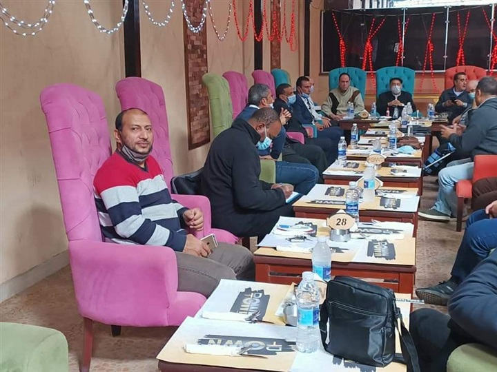 بالصور.. تفاصيل اجتماع اتحاد الكاراتيه مع رؤساء المناطق
