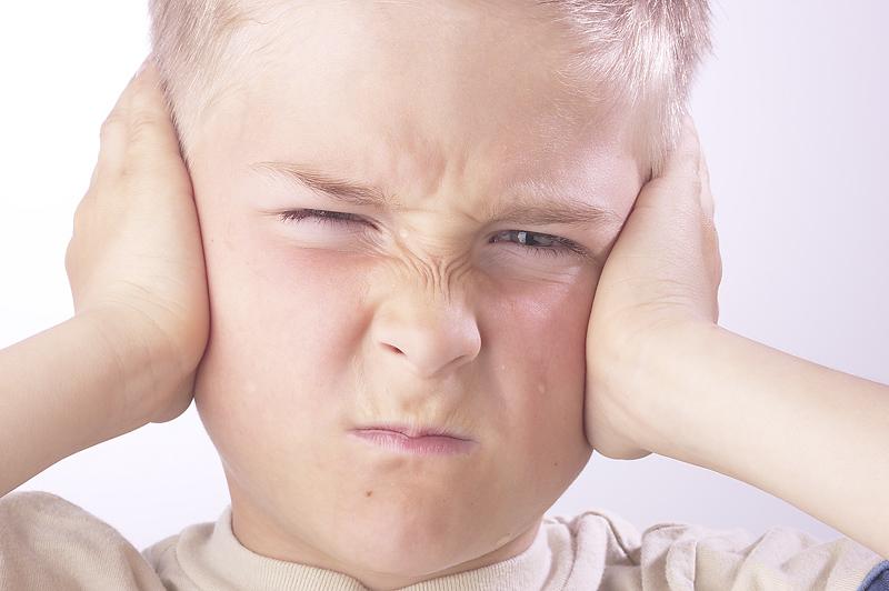 عيوب التخاطب عند أطفال التوحد البيان