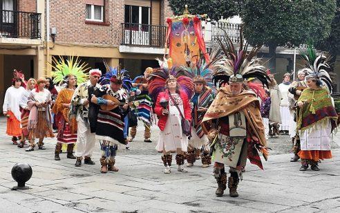 LOS CONCHEROS – DANZA TRADICIONAL