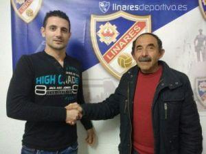 Salinas junto al presidente del Linares   Linares Deportivo