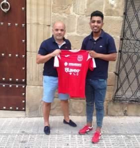 Redu y Juande Peralta con la camiseta | CD Torreperogil