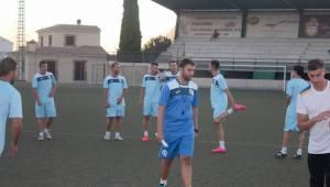 Valenciano en su primera sesión de entrenamiento   Villacarrillo CF